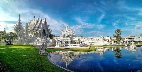 泰国清莱白庙 宛如一座落入凡间的琼楼玉宇 美得不要不要的