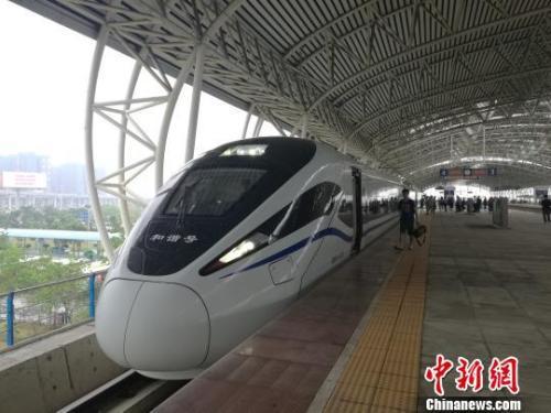 资料图:2018年5月,粤西首条高铁——江湛铁路联调联试进入关键阶段。 郭军 摄