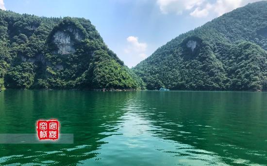 """清江保留了三峡的特色,""""两岸青山相对出""""的画面会非常生动。"""