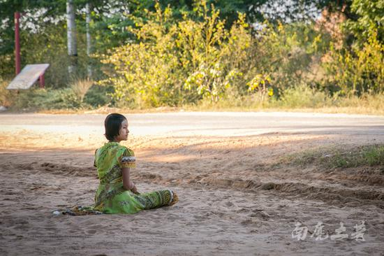 看看缅甸农村,与我们相差多少年