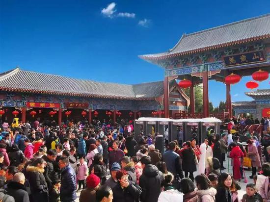 2018第十五届河南开封万岁山春节大庙会来了!