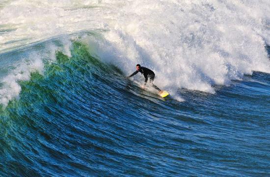 海边冲浪,图片版权:圣地亚哥旅游局