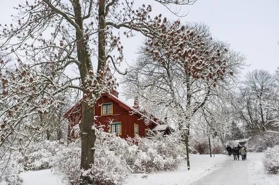1891年开业的斯堪森是世界上第一家露天博物馆,展现最原汁原味的瑞典传统。Photo: Tuukka Ervasti/imagebank.sweden.se