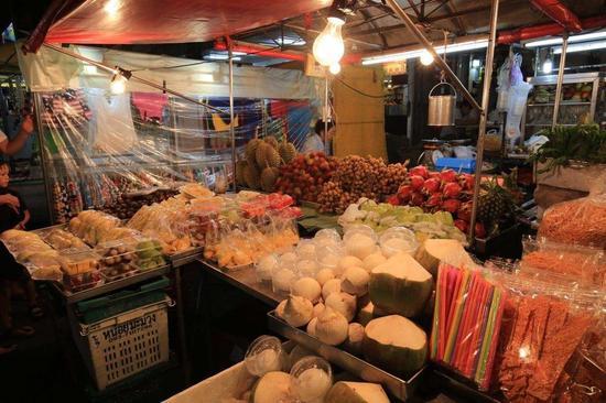 华欣夜市新鲜水果