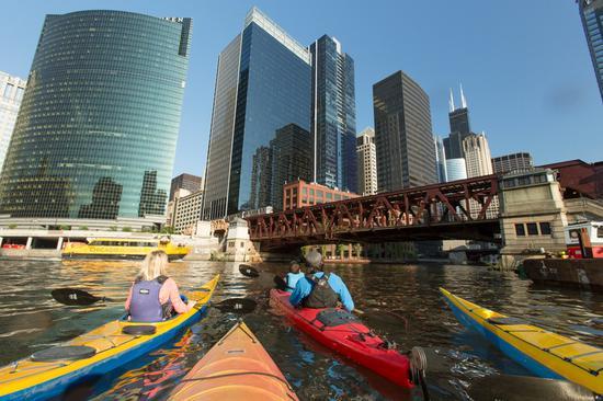 Chicago-River-Kayak-Group
