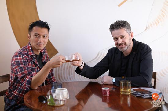 谢霆锋在澳大利亚阿德莱德Orana餐厅——来源《锋味全球美食地图》