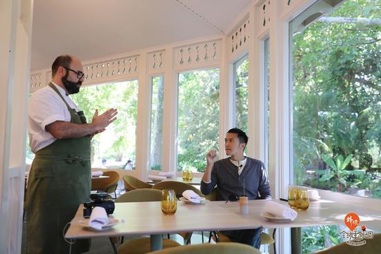 谢霆锋在澳大利亚阿德莱德植物园餐厅(Botanic Gardens Restaurant)——来源《锋味全球美食地图》
