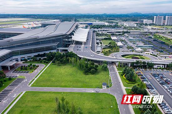 湖南机场上半年国际和地区旅客吞吐量增长12.6%