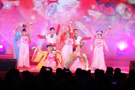 大型舞蹈《梦幻丝路》