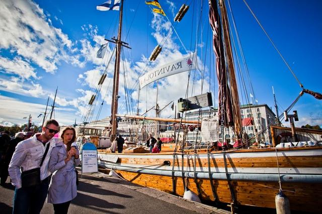 赫尔辛基南码头露天自由市场