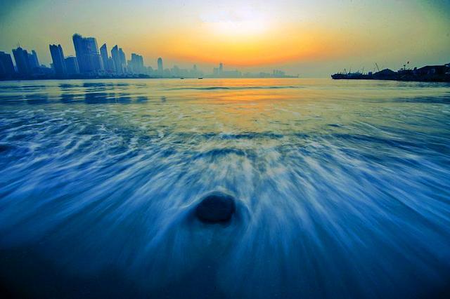 浮山湾看中国最美海上日出
