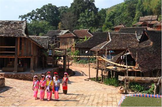 最拉祜最傣崩 澜沧6大民族风情探秘旅游线
