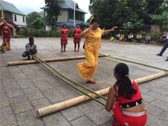 佤族竹竿舞