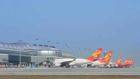 正文     航班班期时刻(航班时刻均为当地时间):   重庆-香港航班时刻