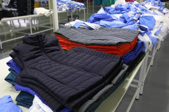 中柏韩美体育用品有限公司在保山工贸园区生产出来的成衣