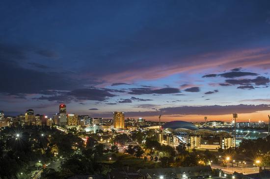 阿德莱德夜景 来源:南澳大利亚州旅游局