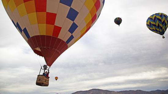 高空热气球情人节 图片来源:美国内华达州旅游局