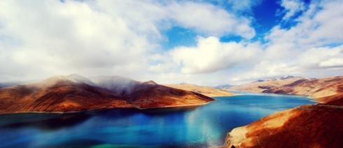 令人魂萦梦绕的羊卓雍措湖