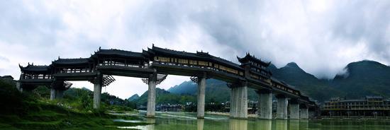 濯水景区拥有上海大世界吉尼斯之最:最长的濯水风雨廊桥