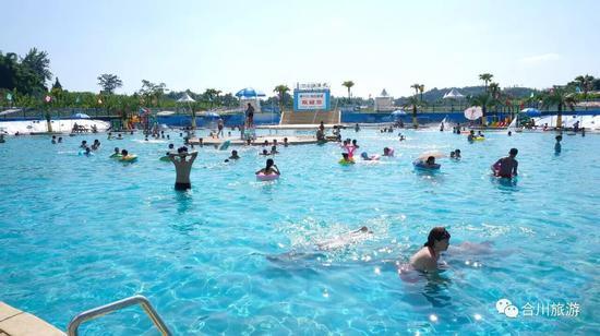 嘉隆西海水上乐园