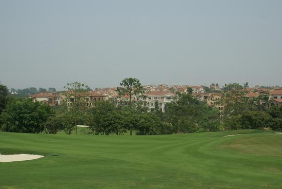 微博博主 广西嘉和城温泉高尔夫球会