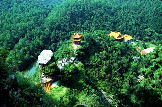 香炉山(摄影:董石玉)