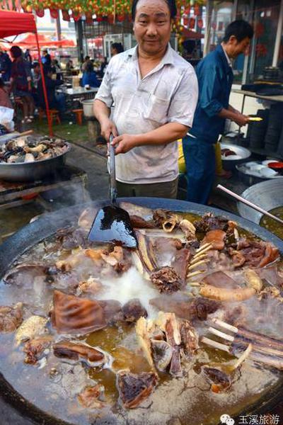 汤锅大王美味待客