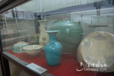 玉溪古窑遗址展馆内的精美展品