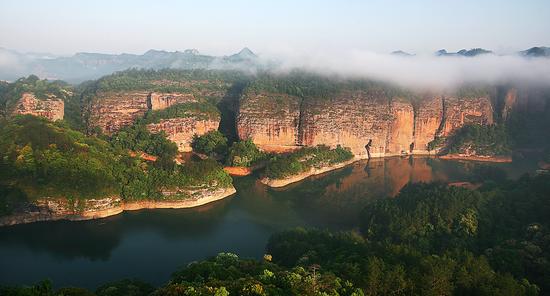 泰宁金湖、大赤壁(图:黄建明)