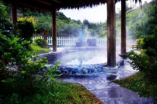 龙陵老梨树温泉照片