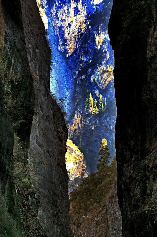 巴拉格宗景区 峡谷