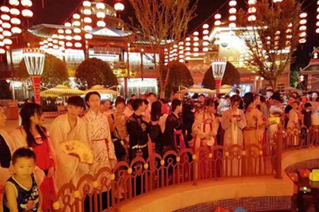 中秋首日,长沙方特《东方十二时辰》引全国游客竞折腰