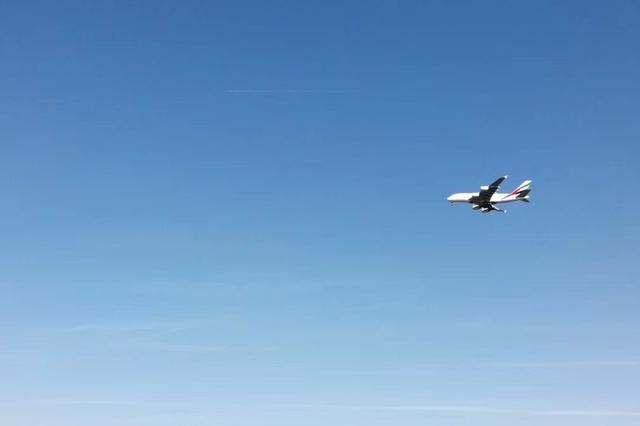 民航局:外国每家航空公司经营至中国的航线只能保留1条