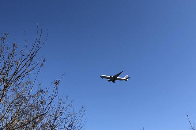 中英间定期客运航线航班继续暂停运行