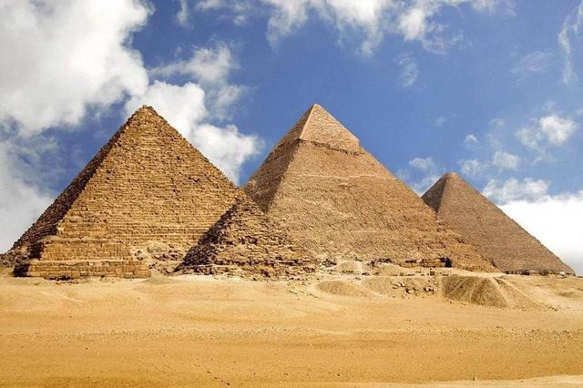 埃及将恢复所有机场航班 重启国家旅游业