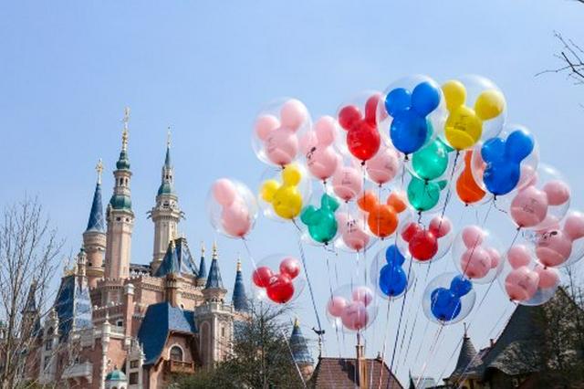 暑期游遇冷:上海迪士尼无需排队,有旅行社账面仅剩5000元