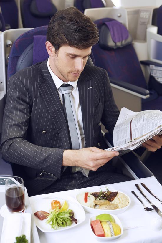 国航机舱餐食 图片来源:中国国际航空公司