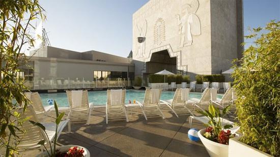 洛伊斯好莱坞酒店