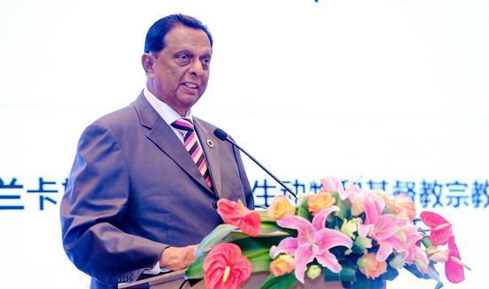 斯里兰卡旅游发展、野生动物和基督教宗教事务部长约翰・阿马拉通发表讲话 来源:斯里兰卡旅游推广局