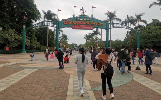 香港迪士尼乐园和海洋公园暂停开放