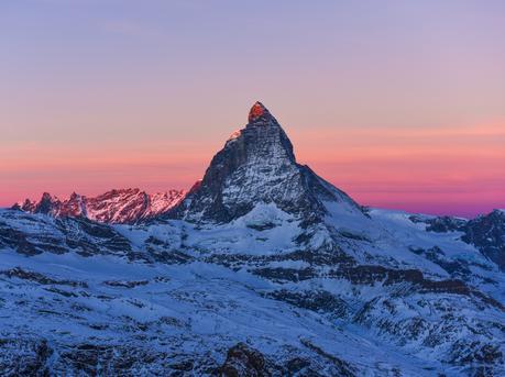 没看过这座雪山 不要说你到过瑞士