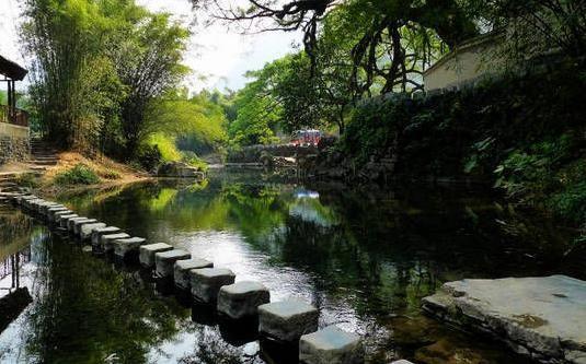 幽静的<a href='http://travel.sina.com.cn/hezhou_huangyaoguzhen1-lvyou/?from=b-keyword' target='_blank'>黄姚古镇</a> 图:新浪博主/一洲摄影