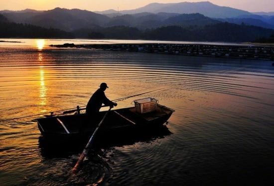 来源:<a href='http://travel.sina.com.cn/anqingshi_tianzhushan-lvyou/?from=b-keyword' target='_blank'><a href='http://travel.sina.com.cn/anqingshi_tianzhushan-lvyou/?from=b-keyword' target='_blank'>天柱山</a></a>风景区
