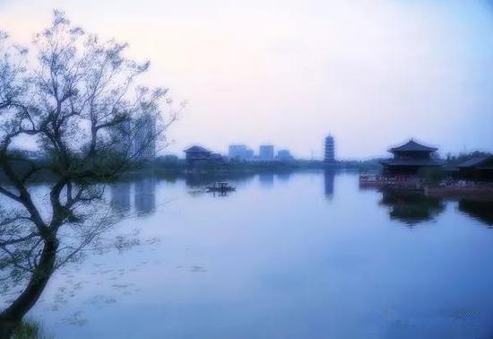 烟雨滨河-樊刚