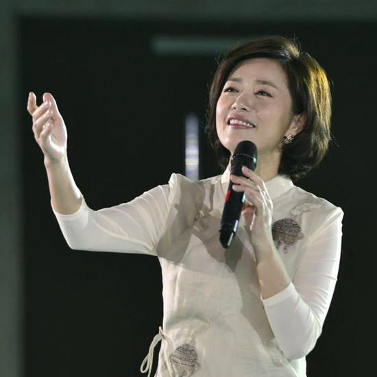 李菁朗读《莲恋莲》