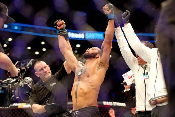 UFC格斗之夜145综述:桑托斯TKO布拉乔维奇取4连胜