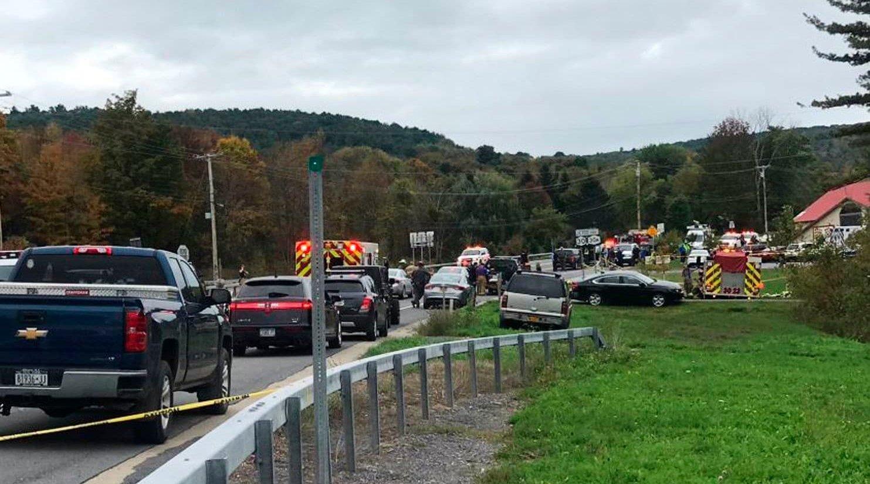 纽约街头婚礼豪车突发车祸 至少20人遇难