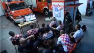 世界杯点球前火警铃响起 克罗地亚消防员光速出警