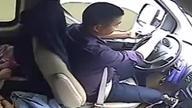 司机高速上玩手机25分钟 车上还载满高中生