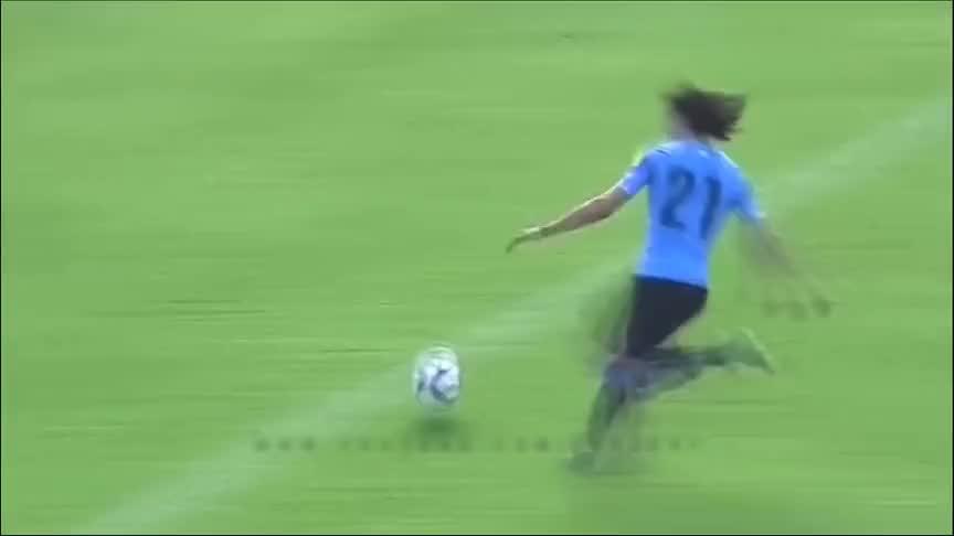 独腿小伙踢足球用坏46副拐杖